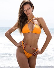 Janaina Reis model (modelo). Photoshoot of model Janaina Reis demonstrating Body Modeling.Body Modeling Photo #199356