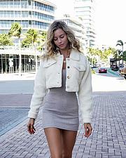 Janaina Reis model (modelo). Photoshoot of model Janaina Reis demonstrating Fashion Modeling.Fashion Modeling Photo #206559