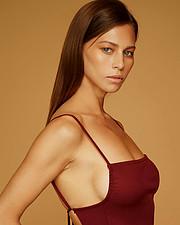 Janaina Reis model (modelo). Photoshoot of model Janaina Reis demonstrating Face Modeling.Face Modeling Photo #216942