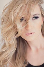 Jasmine Simone model. Photoshoot of model Jasmine Simone demonstrating Face Modeling.Face Modeling Photo #114209
