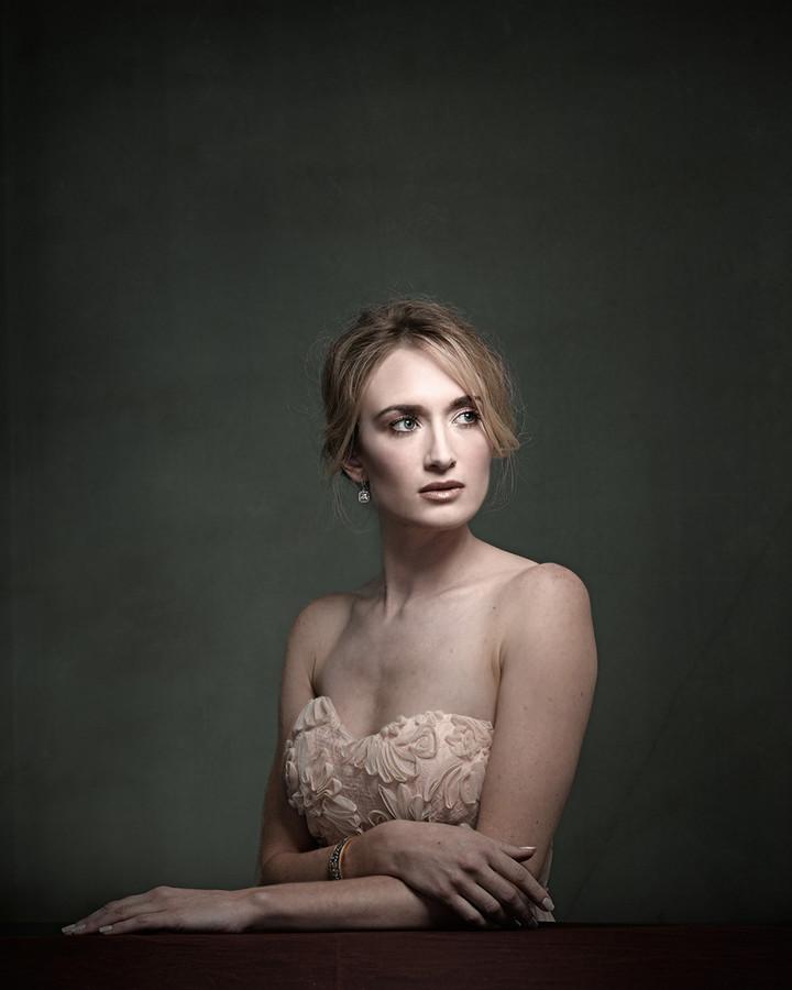 Jasmine Simone model. Photoshoot of model Jasmine Simone demonstrating Face Modeling.Face Modeling Photo #114219
