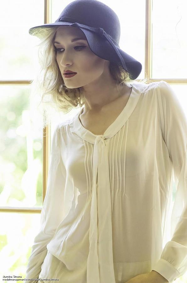 Jasmine Simone Model