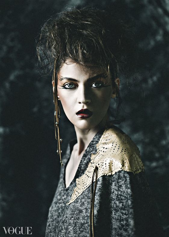 Jen Summers wardrobe stylist. styling by fashion stylist Jen Summers.Vogue ItaliaBeauty Styling Photo #92162