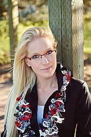 Jessica Layla model. Photoshoot of model Jessica Layla demonstrating Face Modeling.Face Modeling Photo #134888