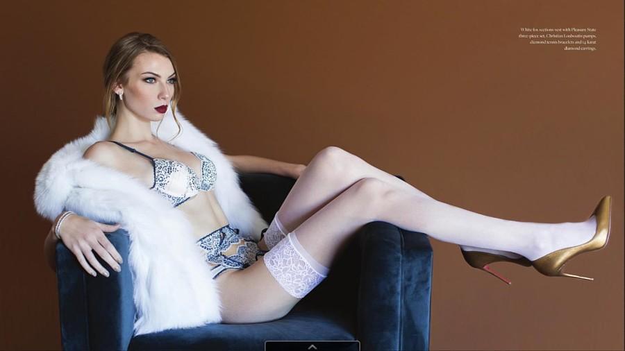 Josie Barton Model