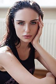 Julia Zakharova model & painter. Photoshoot of model Julia Zakharova demonstrating Face Modeling.Face Modeling Photo #118167