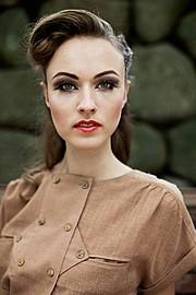 Julie Andersen Makeup Artist