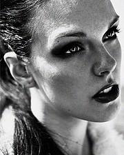 Julie Odlozilikova (Julie Odložilíková) model. Photoshoot of model Julie Odlozilikova demonstrating Face Modeling.Face Modeling Photo #187957