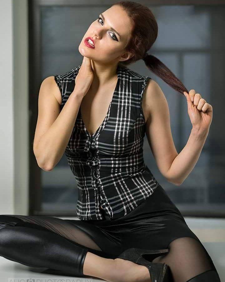 Julie Odlozilikova (Julie Odložilíková) model. Photoshoot of model Julie Odlozilikova demonstrating Fashion Modeling.Fashion Modeling Photo #187958