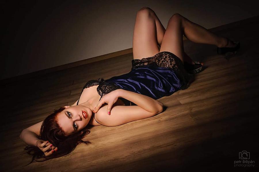 Julie Odlozilikova (Julie Odložilíková) model. Photoshoot of model Julie Odlozilikova demonstrating Body Modeling.Body Modeling Photo #206066