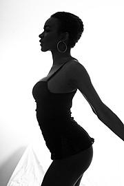 Karen Silva model (modella). Photoshoot of model Karen Silva demonstrating Body Modeling.Body Modeling Photo #92365