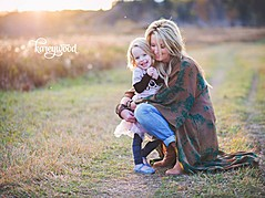 Karey Wood is a natural light photographer & graphic designer. She specializes in maternity, newborn, child and family photography & print/w