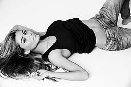 Karina Flores model (modelo). Photoshoot of model Karina Flores demonstrating Fashion Modeling.Fashion Modeling Photo #89181