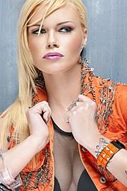 Kat Livingston model. Photoshoot of model Kat Livingston demonstrating Face Modeling.Face Modeling Photo #143552