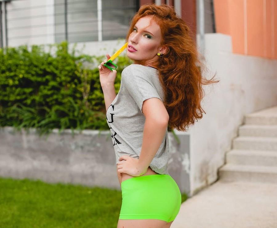 Kate Gurtova model. Kate Gurtova demonstrating Fashion Modeling, in a photoshoot by Maria Markevich.photographer: Maria MarkevichFashion Modeling Photo #218494