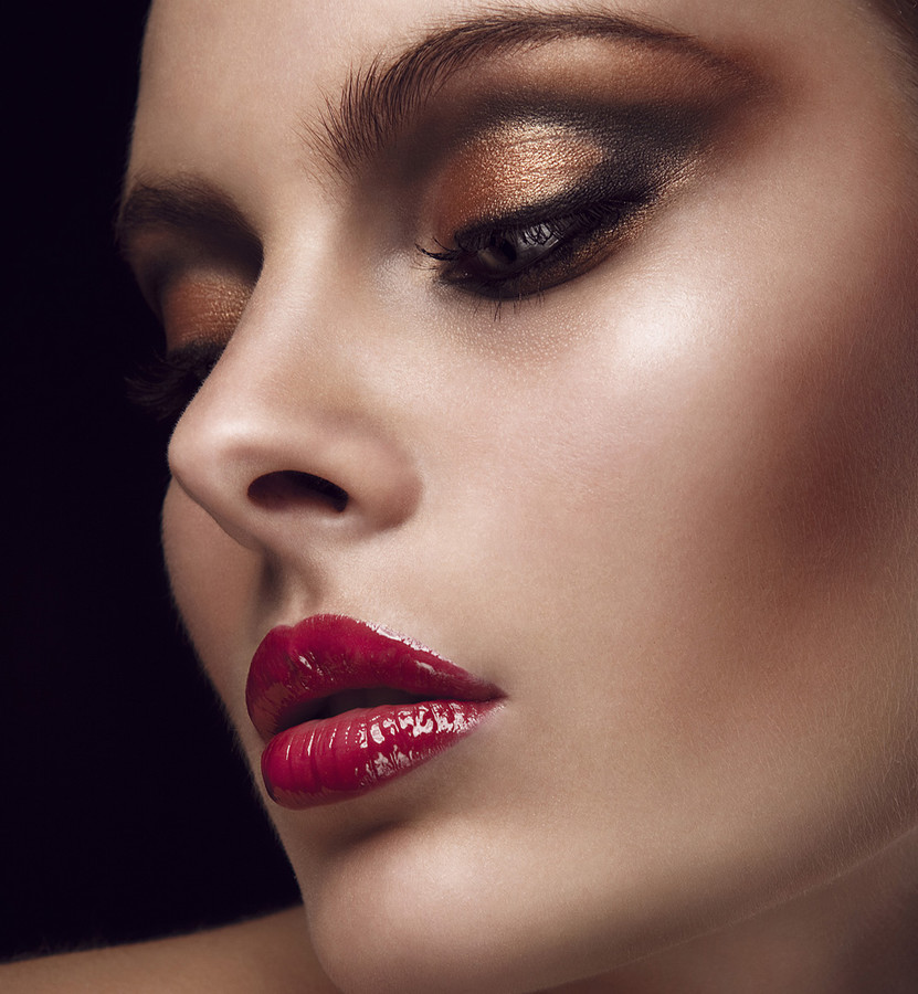 Katerina Theofilopoulou makeup artist (μακιγιέρ). Work by makeup artist Katerina Theofilopoulou demonstrating Beauty Makeup in a photoshoot by Vasilis Topouslidis.photographer: Vasilis Topouslidismakeup: Katerina TheofilopoulouBeauty Makeup Photo #