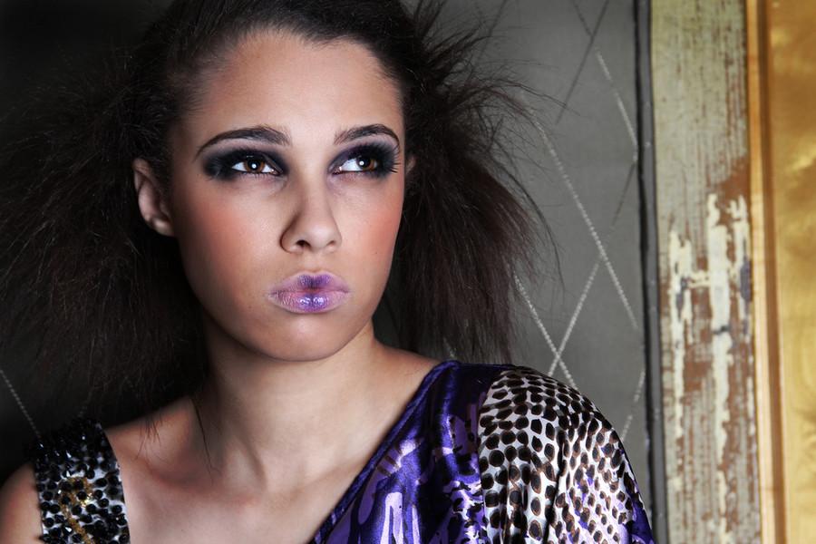 Katherine Gulling model. Katherine Gulling demonstrating Face Modeling, in a photoshoot by Jeannie Casey.photographer: Jeannie CaseyModel: Katherine GullingMakeup/Hair: Jessie KimFace Modeling Photo #95350