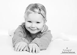 Kathrine Halvorsen photographer (fotograf). Work by photographer Kathrine Halvorsen demonstrating Children Photography.Children Photography Photo #78746