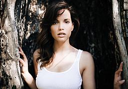 Katrina Elizabeth model. Photoshoot of model Katrina Elizabeth demonstrating Face Modeling.Face Modeling Photo #117977