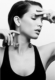 Katrina Elizabeth model. Photoshoot of model Katrina Elizabeth demonstrating Face Modeling.Face Modeling Photo #117992