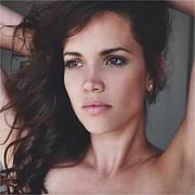 Katrina Elizabeth model. Photoshoot of model Katrina Elizabeth demonstrating Face Modeling.Face Modeling Photo #117993