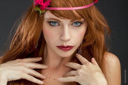 Katrina Wilkinson model. Photoshoot of model Katrina Wilkinson demonstrating Face Modeling.Face Modeling Photo #95846