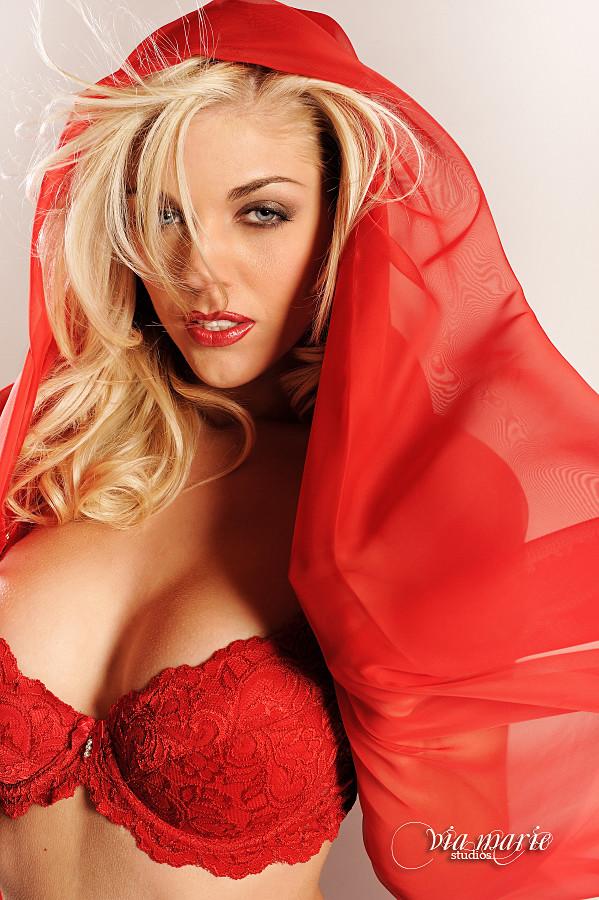 Kelly Kaye Model