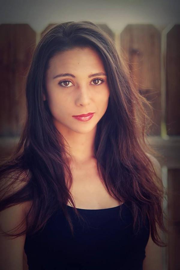Kendra Thurman model. Photoshoot of model Kendra Thurman demonstrating Face Modeling.Face Modeling Photo #126261