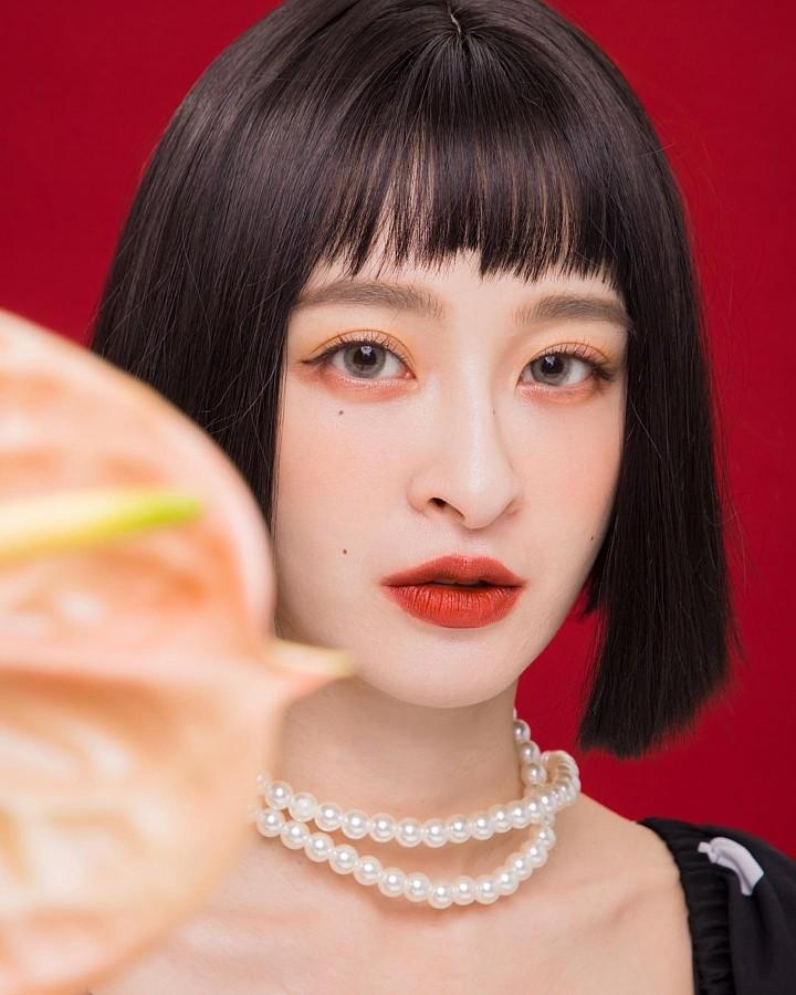 Kerina Hsueh model. Photoshoot of model Kerina Hsueh demonstrating Face Modeling.Face Modeling Photo #233348