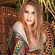Kerstin Cook model. Photoshoot of model Kerstin Cook demonstrating Face Modeling.Face Modeling Photo #111479