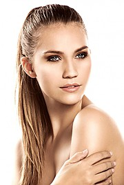 Kerstin Cook model. Photoshoot of model Kerstin Cook demonstrating Face Modeling.PonytailFace Modeling Photo #73565