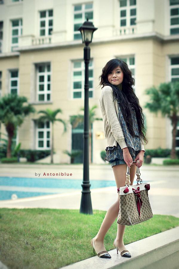 Khanh Antoniblue photographer. Work by photographer Khanh Antoniblue demonstrating Fashion Photography.PurseFashion Photography Photo #103083
