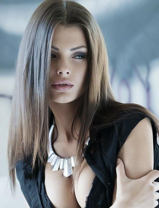 Klaudia Burman model (modell). Photoshoot of model Klaudia Burman demonstrating Face Modeling.Face Modeling Photo #80611