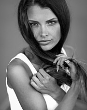 Klaudia Burman model (modell). Photoshoot of model Klaudia Burman demonstrating Face Modeling.Face Modeling Photo #80617