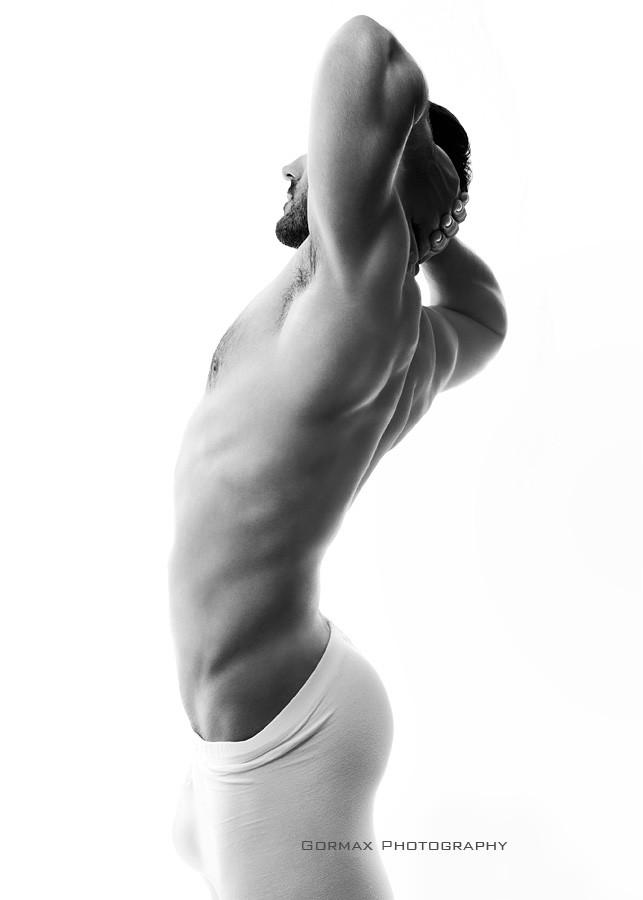 Konstantino Michael model (μοντέλο). Photoshoot of model Konstantino Michael demonstrating Body Modeling.Body Modeling Photo #159799