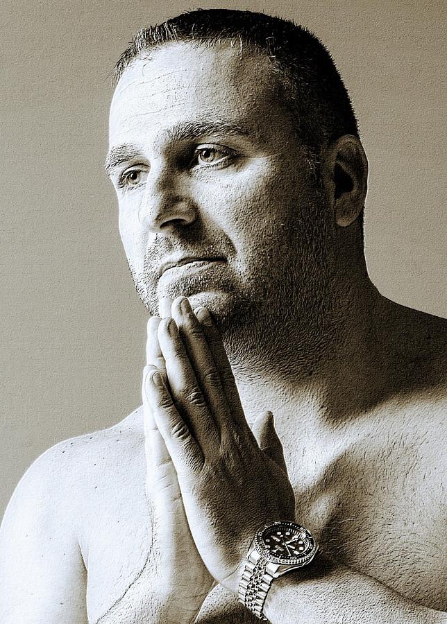 Konstantinos Panls model (μοντέλο). Photoshoot of model Konstantinos Panls demonstrating Face Modeling.Face Modeling Photo #229767