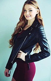 Kristen Devine model & actress. Photoshoot of model Kristen Devine demonstrating Fashion Modeling.Photo by Kathy Whittaker PhotographyFashion Modeling Photo #126317