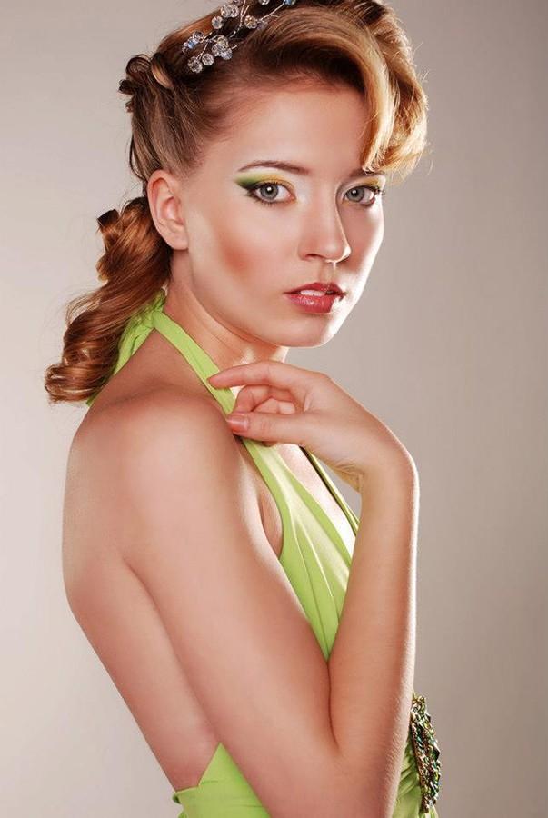 "Kristiina Karula makeup artist (jumestuskunstnik). Work by makeup artist Kristiina Karula demonstrating Beauty Makeup in a photoshoot of Anzhelika Danilova.MUA: Kristiina KarulaPhoto: Jekaterina GridjushkoHairstyle: Beauty Salon ""Paloma""Designer dr"