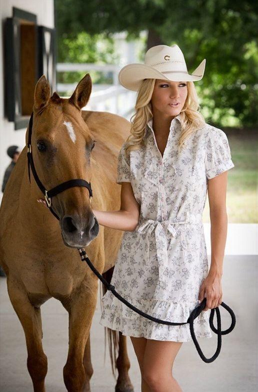 Kristin Reed model. Photoshoot of model Kristin Reed demonstrating Commercial Modeling.Commercial Modeling Photo #169288