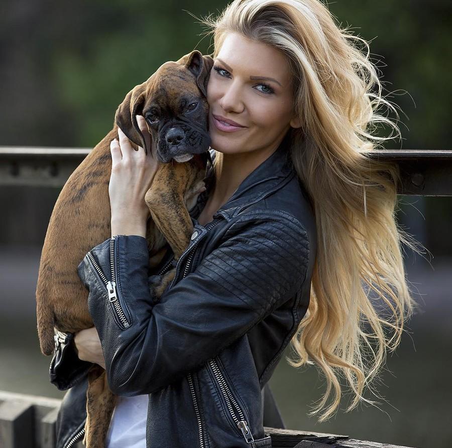 Kristin Reed model. Photoshoot of model Kristin Reed demonstrating Face Modeling.Face Modeling Photo #169306
