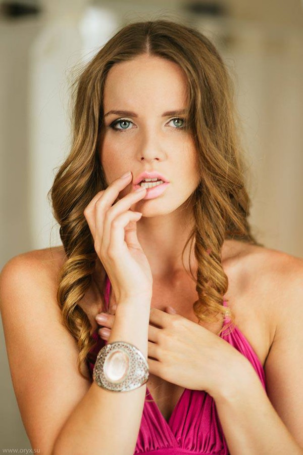 Kristina Yakimova model (модель). Kristina Yakimova demonstrating Face Modeling, in a photoshoot by Gene Oryx.Photographer: GENE ORYXFace Modeling Photo #102989