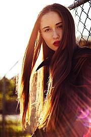 Kyleigh Mccollam model. Photoshoot of model Kyleigh Mccollam demonstrating Face Modeling.Face Modeling Photo #120719