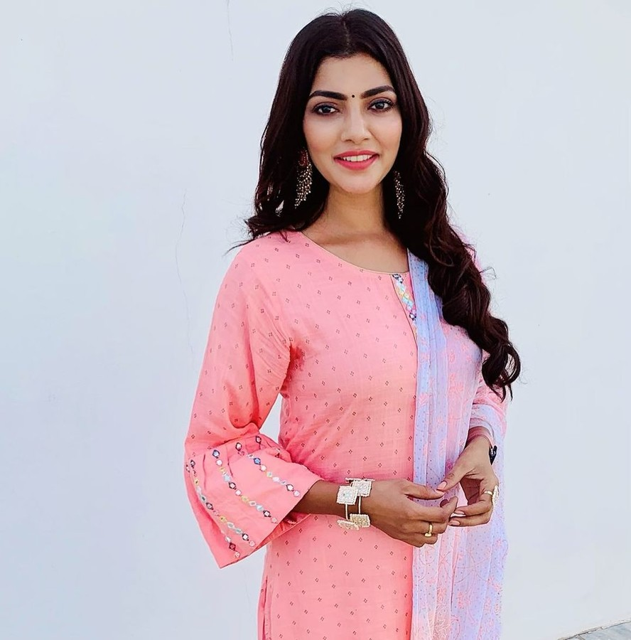 Lahari Shari model & actress. Photoshoot of model Lahari Shari demonstrating Fashion Modeling.Fashion Modeling Photo #230670
