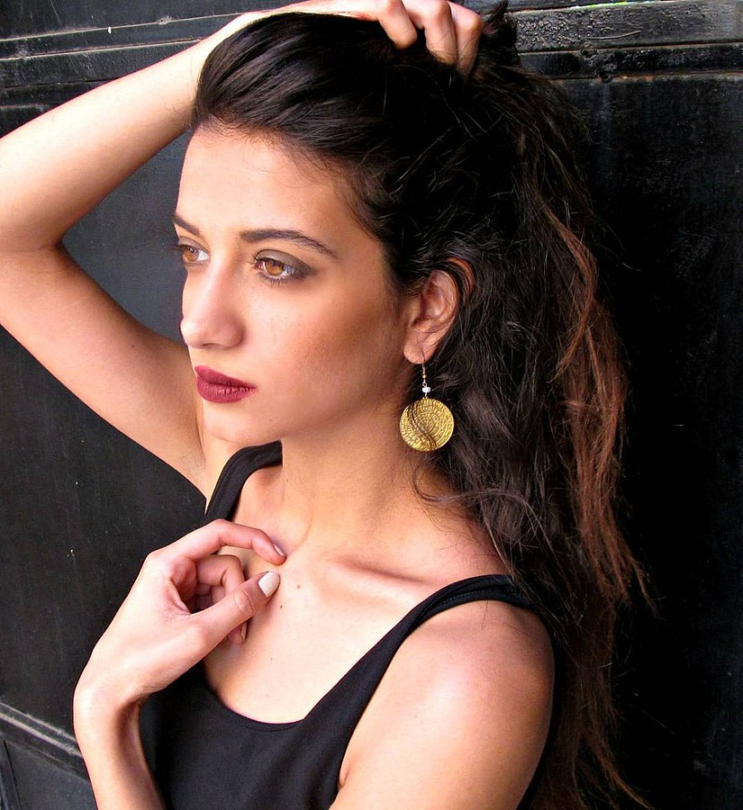 Lara Riad model. Photoshoot of model Lara Riad demonstrating Face Modeling.EarringsFace Modeling Photo #157461