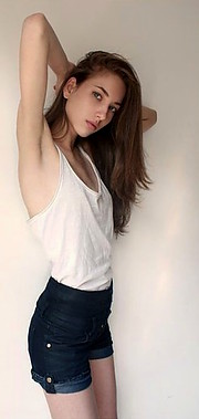 Larissa Portolani model (modelo). Photoshoot of model Larissa Portolani demonstrating Fashion Modeling.Fashion Modeling Photo #198751