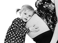Larus Sigurdarson photographer (Lárus Sigurðarson ljósmyndari). Work by photographer Larus Sigurdarson demonstrating Maternity Photography.Maternity Photography Photo #89517