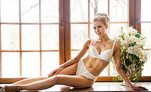 Laura Ahola model. Photoshoot of model Laura Ahola demonstrating Body Modeling.Body Modeling Photo #98270
