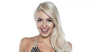 Laura Ahola model. Photoshoot of model Laura Ahola demonstrating Face Modeling.Face Modeling Photo #98273
