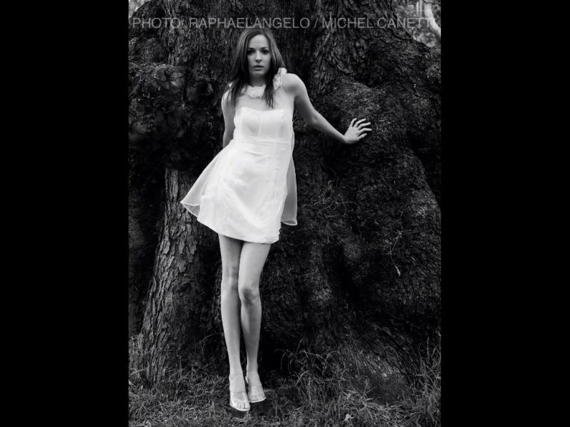 Laura Della model. Photoshoot of model Laura Della demonstrating Fashion Modeling.Fashion Modeling Photo #90533