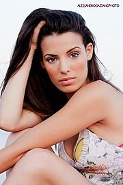 Laura Giuliani model (modella). Photoshoot of model Laura Giuliani demonstrating Face Modeling.Face Modeling Photo #121101